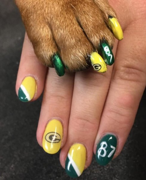 Matching Green Bay Packer's nails
