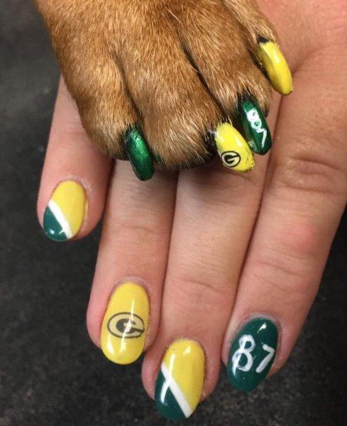 Matching Green Bay Packer's nails